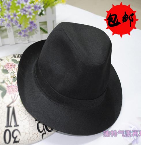 男生黑色鸭舌帽搭配图片