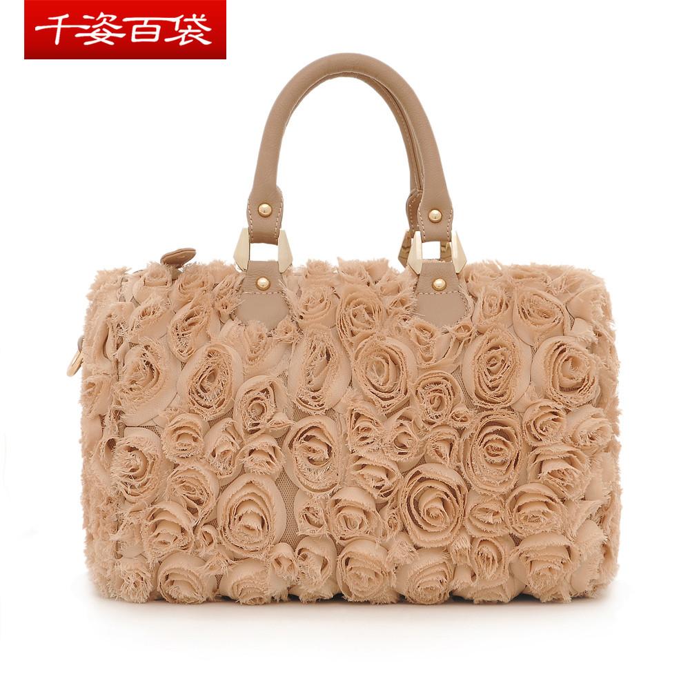 立体玫瑰花朵手提斜挎女包搭配