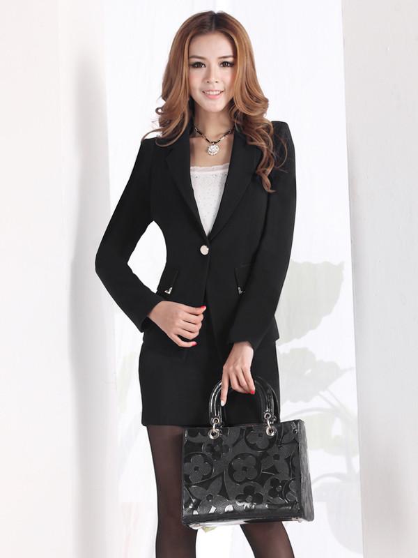 西装裙颜色分类: 黑色西装+黑色连衣裙