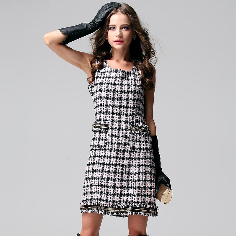 雅莹针织连衣裙搭配图片_雅莹针织连衣裙怎么搭配__爱