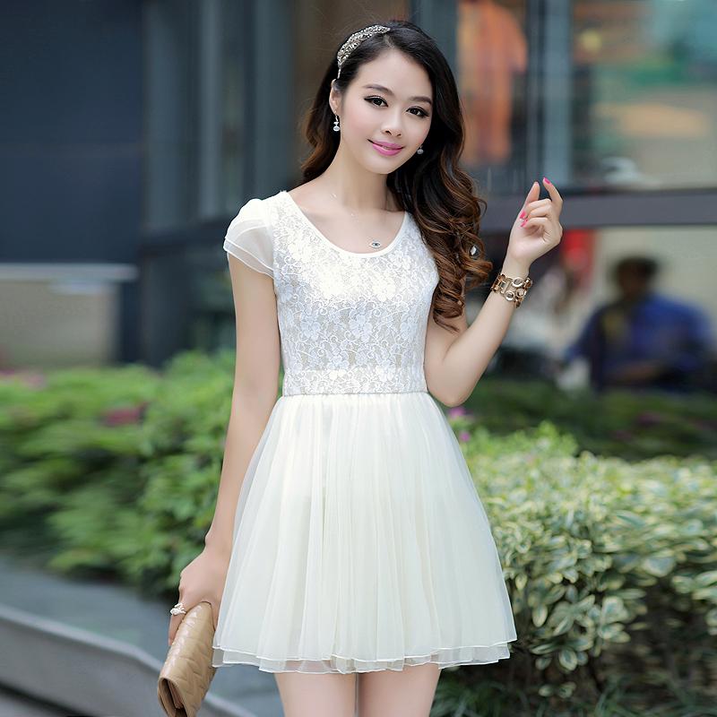 蕾丝蓬蓬裙连衣裙春装