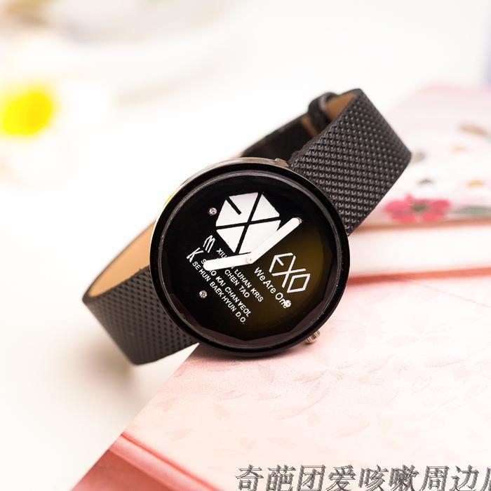 送水晶卡贴exo全体名字logo时尚简约手表 腕表情侣表黑白两色单只