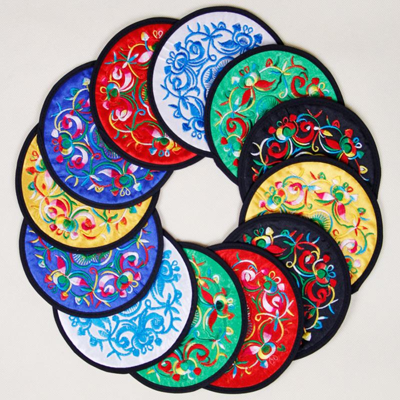 云南少数民族特色工艺品中国风传统出国礼品绣花饰品杯垫 隔热垫