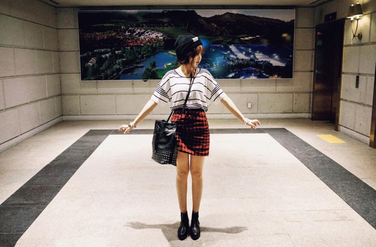 【韩版复古铆钉水桶包】-包包-女包
