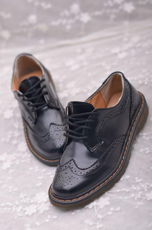 英伦布洛克镂空雕花皮鞋