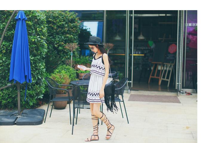 【水波纹几何吊带连衣裙】-衣服-裙子