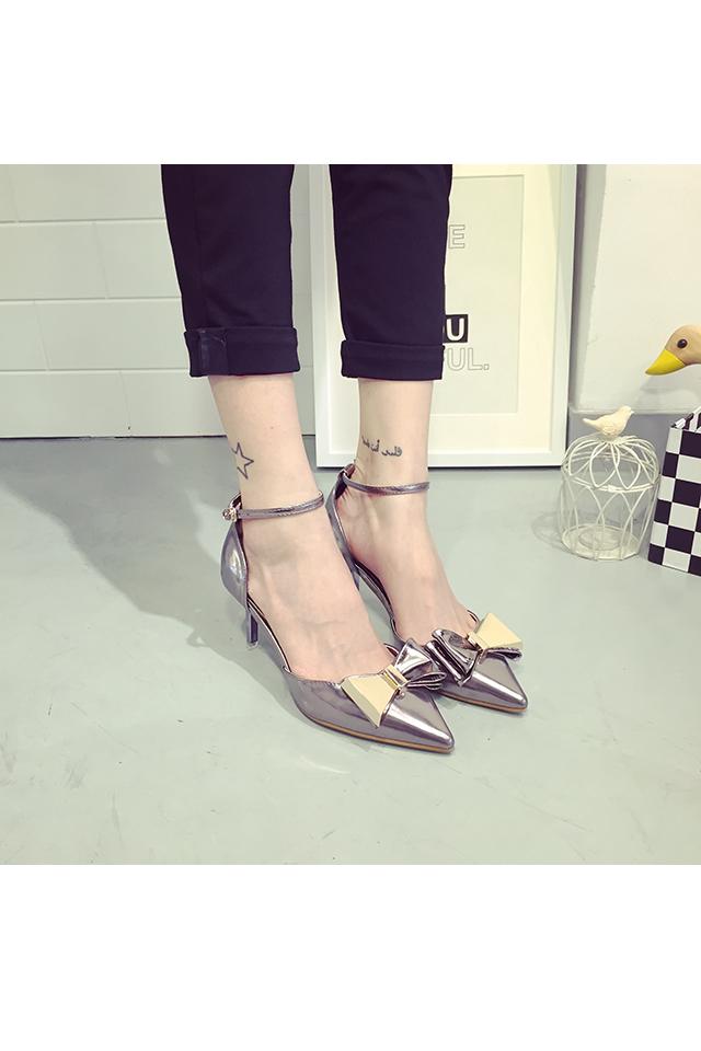 欧美时尚风金属色细跟高跟鞋