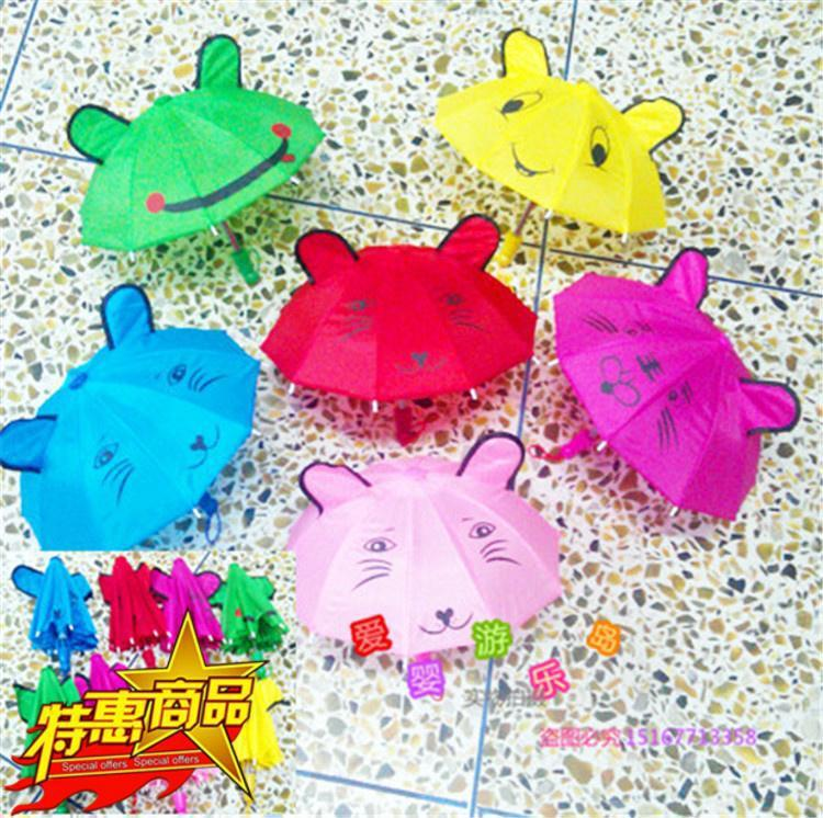 幼儿园小班主题雨伞动物走廊吊饰图片