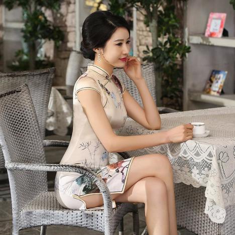 重磅真丝 高档旗袍 精致裁剪 优雅奢华.