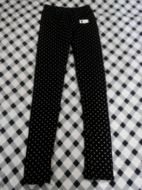 黑色小圆点可爱打底裤.[馋嘴]
