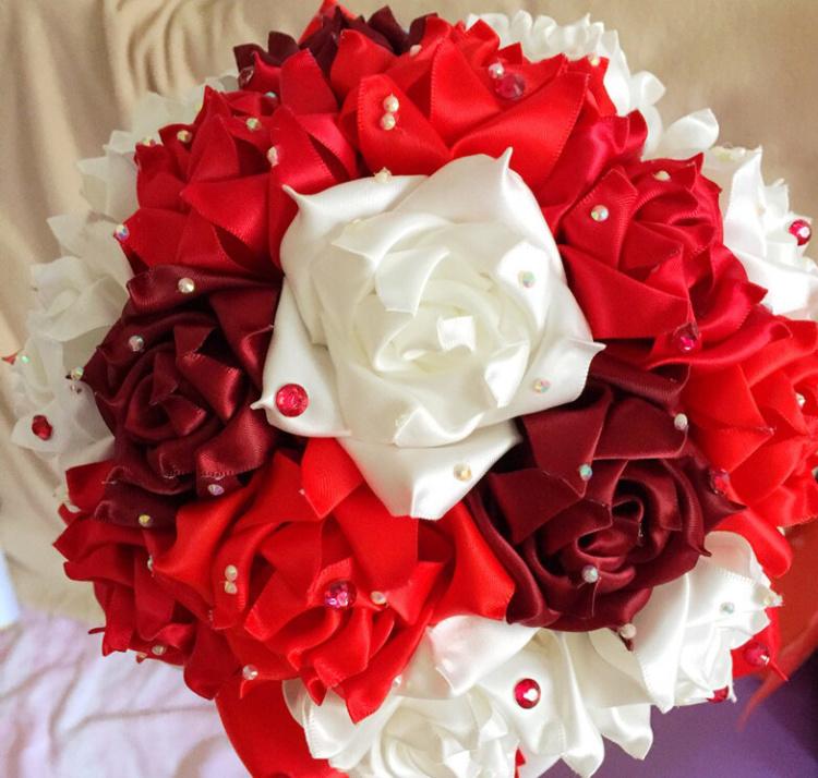 新娘手捧花 丝带大红色玫瑰花 摄影结婚
