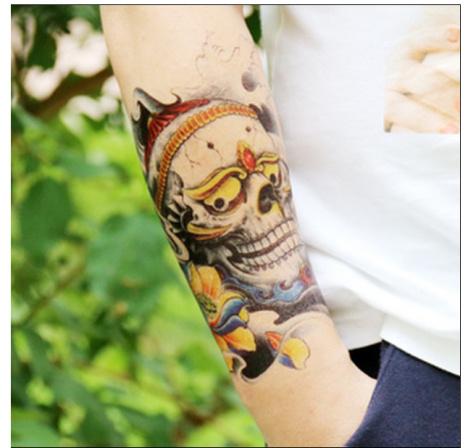 快手网红带手表花臂纹身内容图片分享