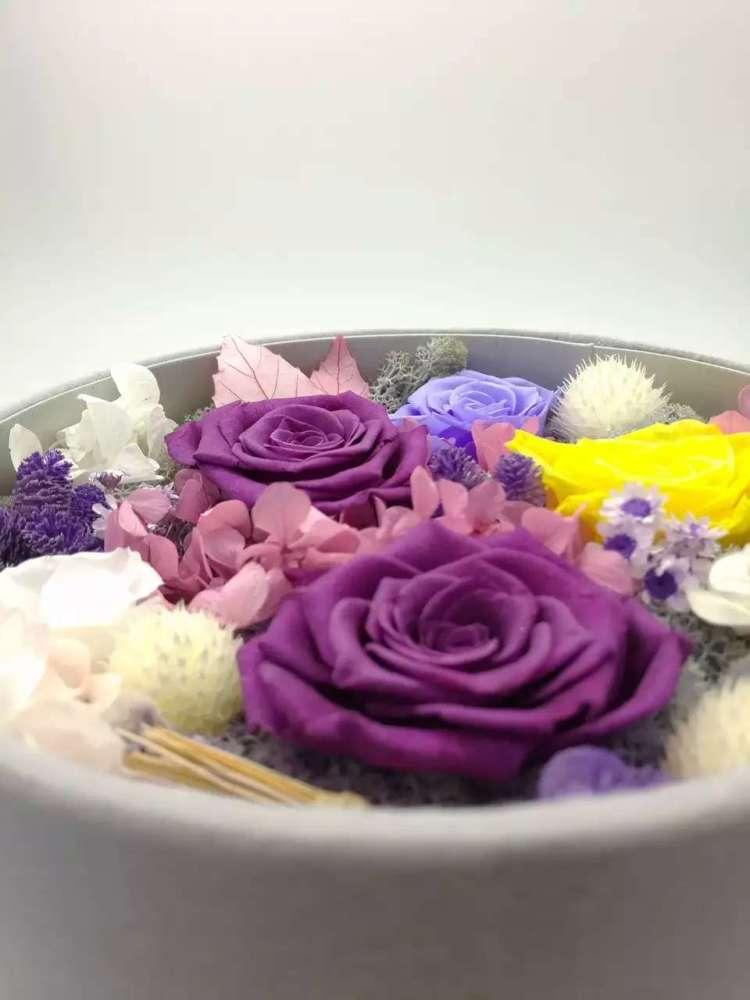 蘑菇头送花花表情包分享展示