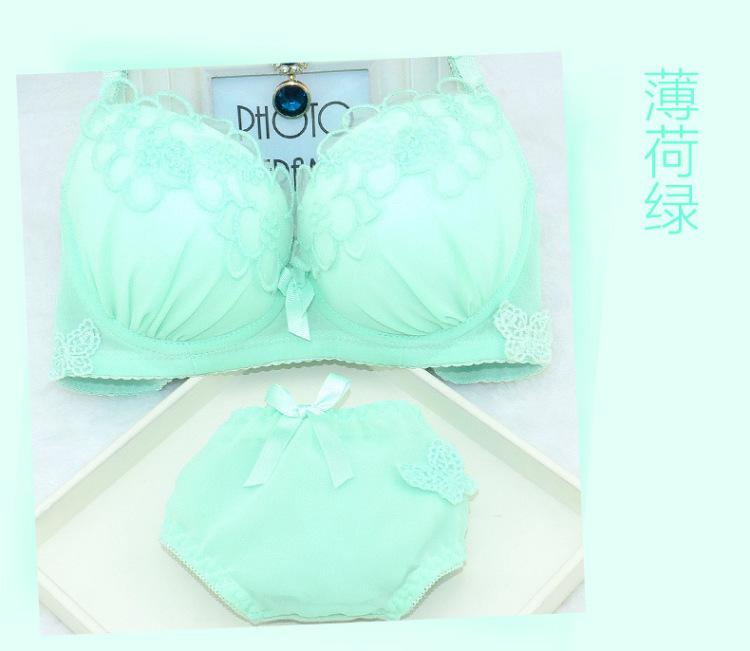 【日系爆款纯色花朵刺绣蕾丝边可爱少女内衣文胸套装