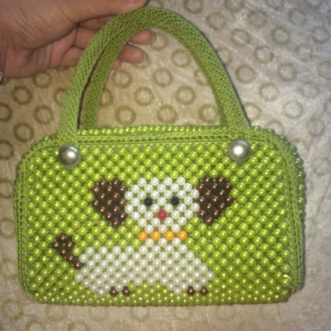 妈妈编织动物小包,精致可爱,本包包是一针一针把珠珠穿制后钩针一下