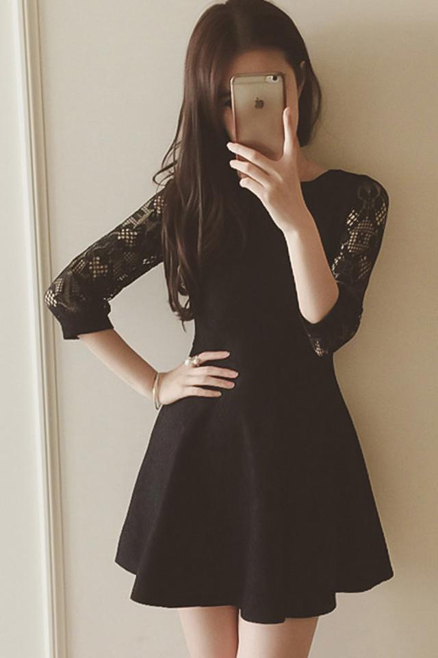 【秋季新款收腰显瘦花边领纯色蕾丝长袖连衣裙】