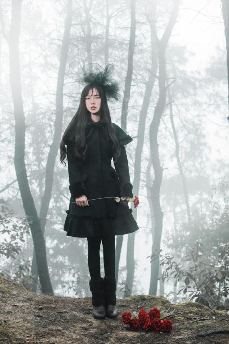 【诺里原创中长款哥特洛丽塔暗黑甜美宫廷复古洋装毛
