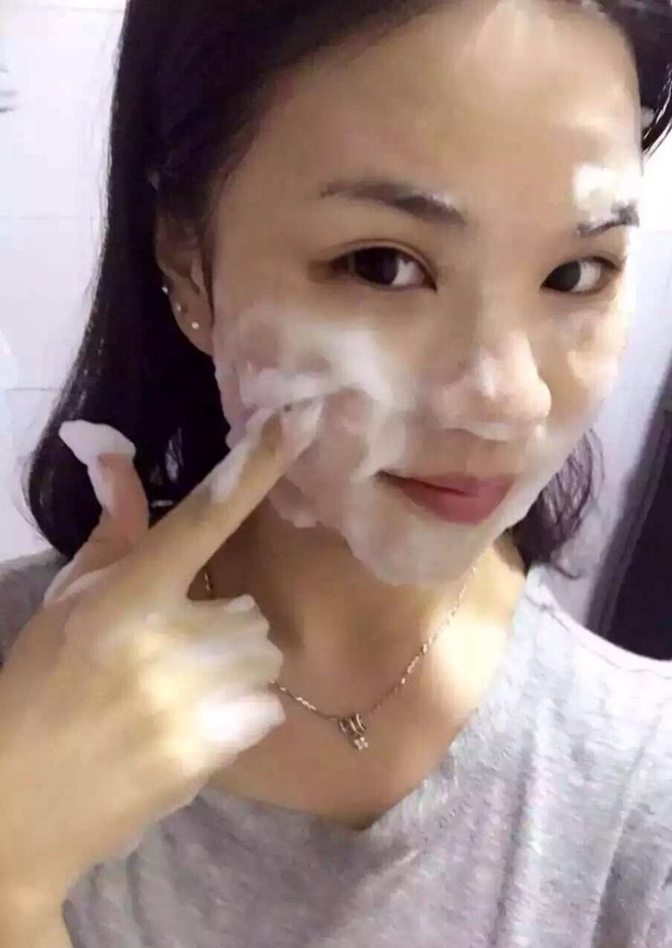 溪秀泡泡洗脸霜