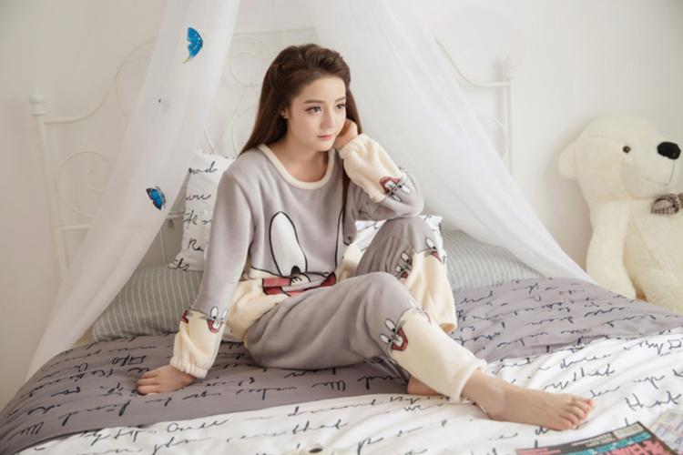 【超萌兔八哥】韩国卡通可爱法兰绒家居服套装