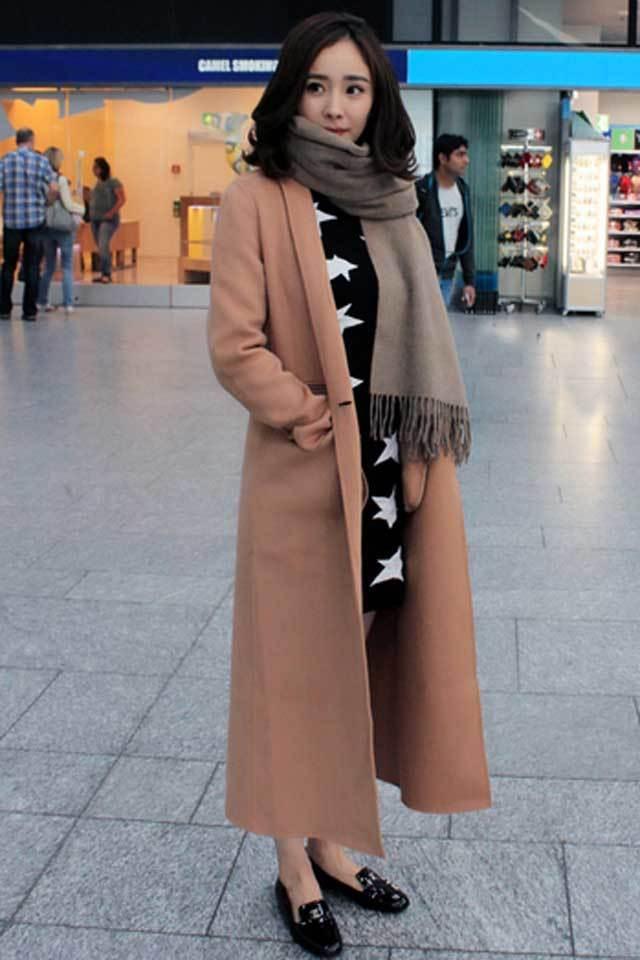 杨幂明星同款时尚芭莎街拍巴黎时装周机场街拍长款毛呢大衣外套