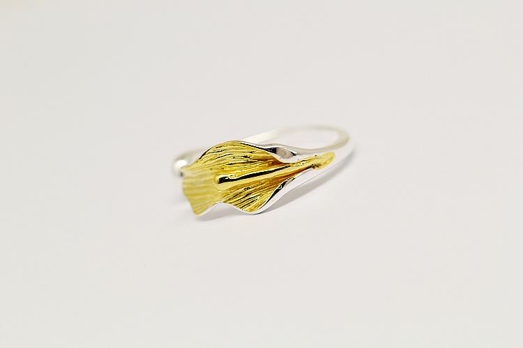 优雅小动物和树叶开口戒指