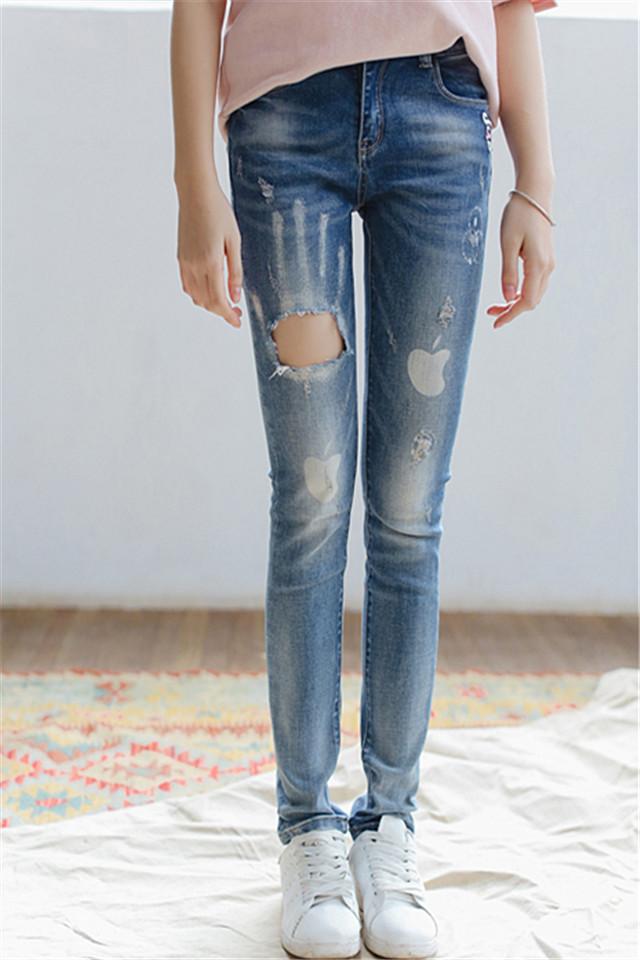 修身破洞牛仔裤