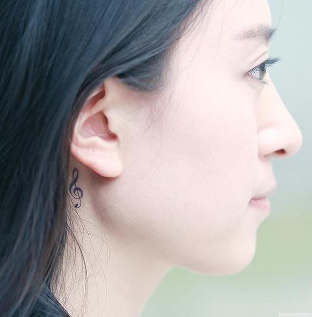 1张原宿风耳后音符 防水纹身贴