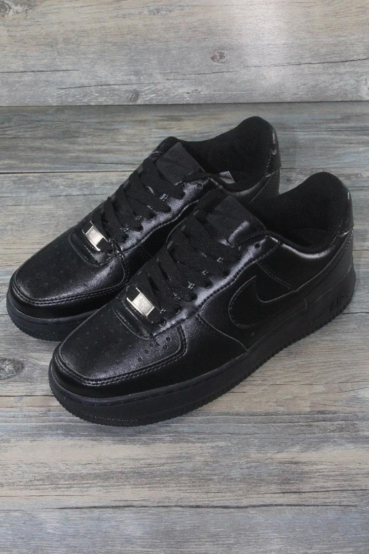 空军一号全黑板鞋