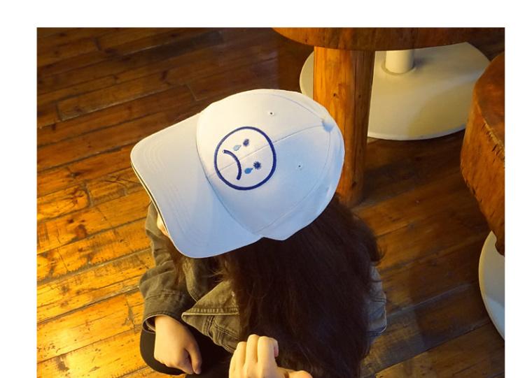 【韩国原宿哭脸白色鸭舌帽卡通棒球帽遮阳帽男女情侣