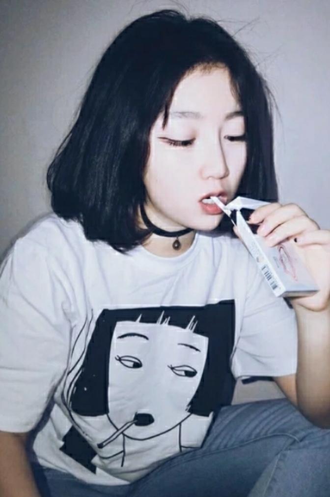 【2016春夏韩国ulzzang原宿宽松抽烟少女印花圆领t恤