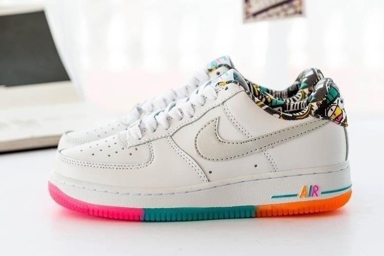 实拍耐克空军一号彩虹涂鸦时尚板鞋