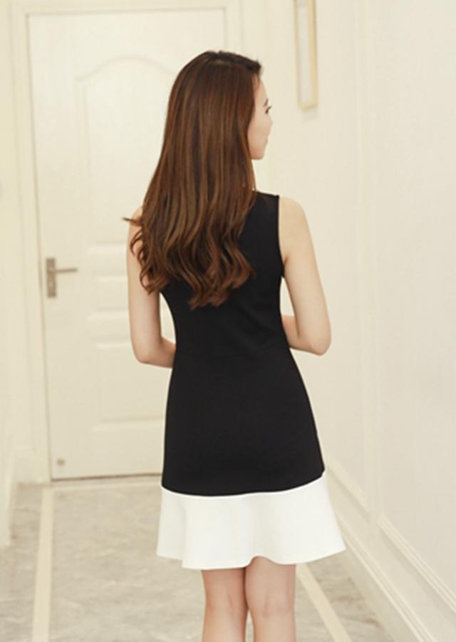 【春夏新款背心黑白拼接荷叶花边连衣裙】-衣服-裙子