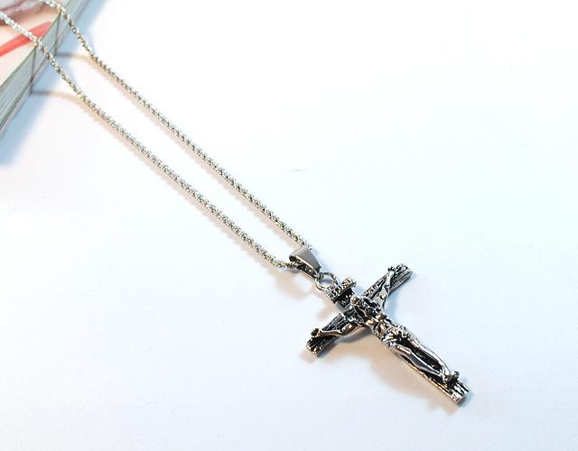 权志龙后面刻十字架的发型分享展示