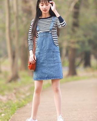 条纹经典裙搭配图片_条纹经典裙怎么搭配