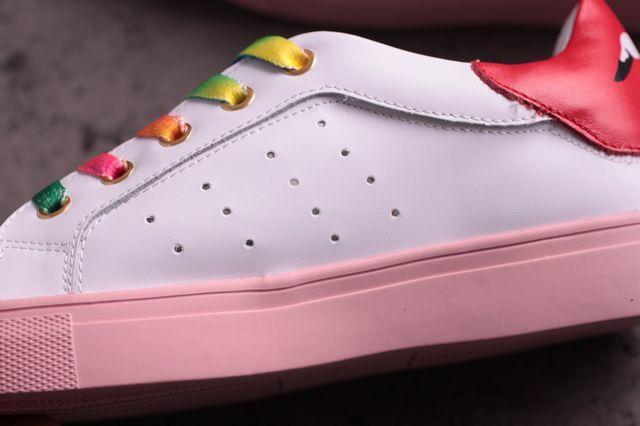 小白鞋不露鞋带系法