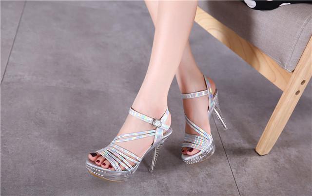 【炫彩~灰姑娘夏季水晶高跟鞋】-鞋子-女鞋_凉鞋_服饰