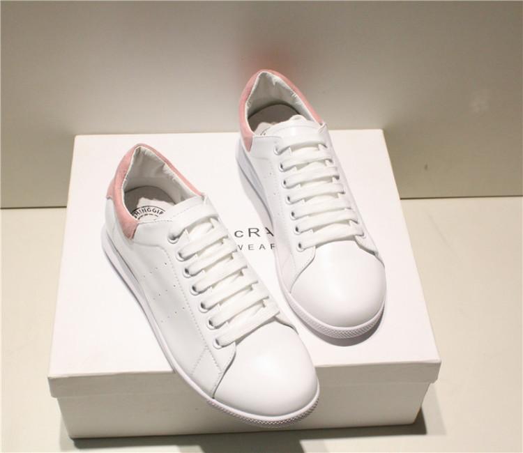 不带鞋带的小白鞋_小白鞋带的花样系法图片