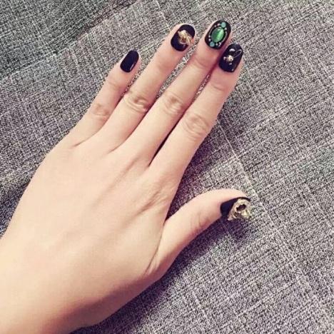 黑色复古欧式宝石绿成品手工甲片
