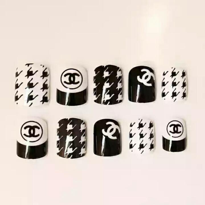 简约不简单 黑白小香千鸟格 百搭美甲 胶水款24片假指甲美甲贴片