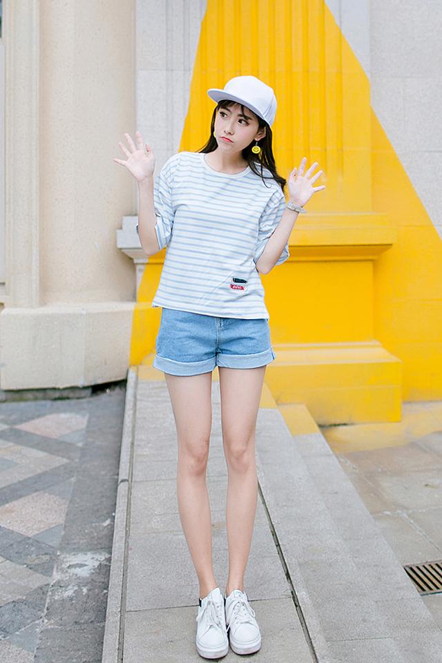 日系原宿小鱼刺绣图案蓝色条纹短袖t恤女