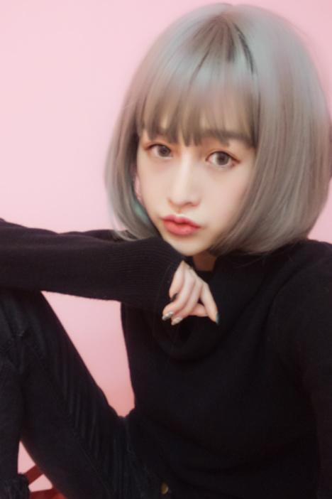 假发女短发实拍奶奶烟灰色空气薄刘海微卷内扣波波梨花头逼真发型