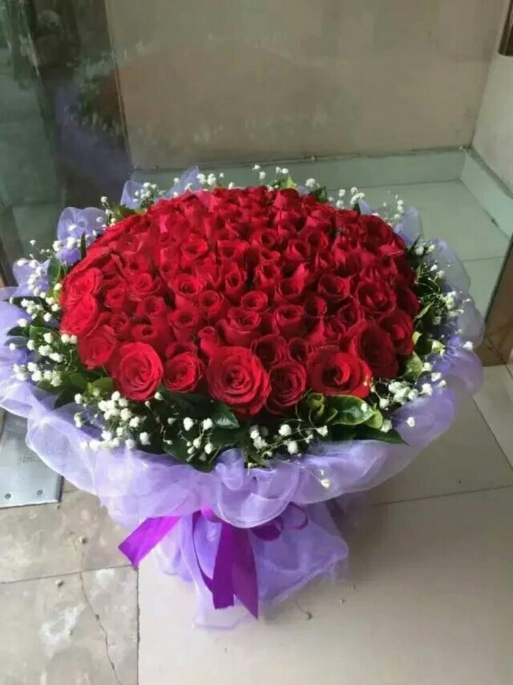 99支玫瑰花束包装视频 图片合集