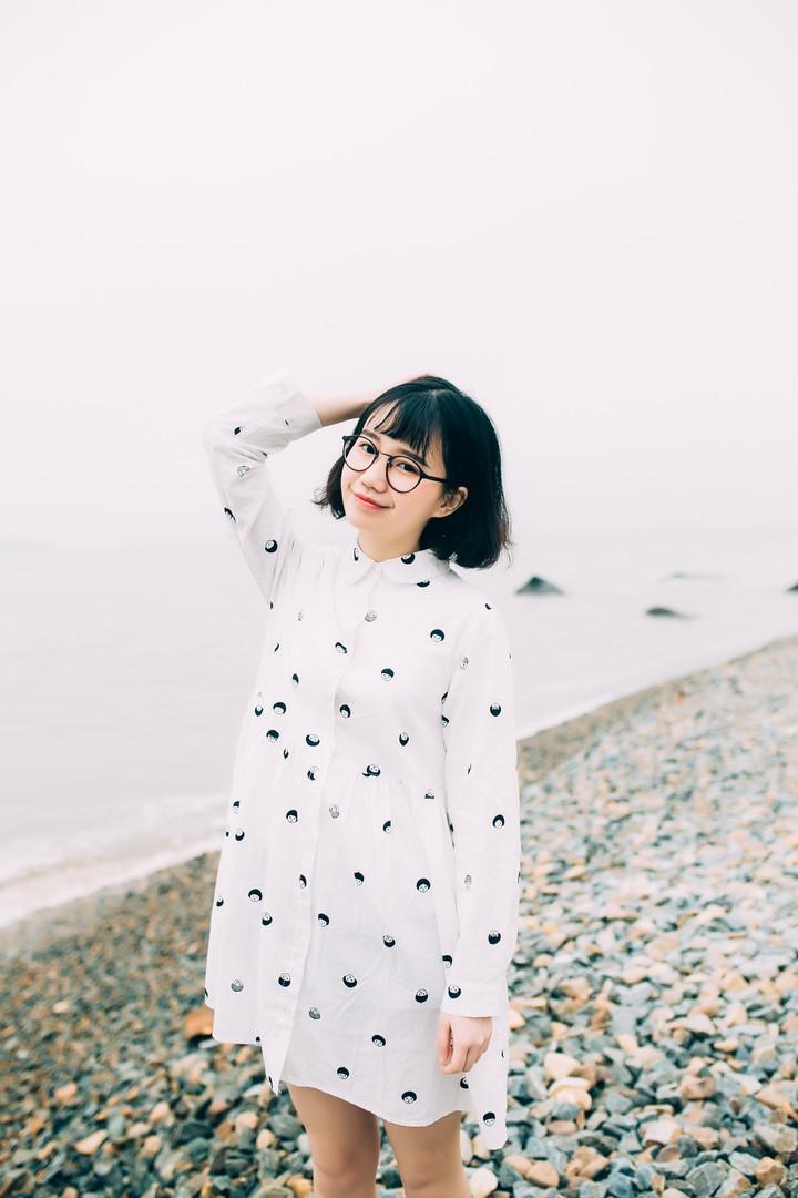(大阮阮)日系原宿风小人头娃娃领长袖宽松棉麻连衣裙